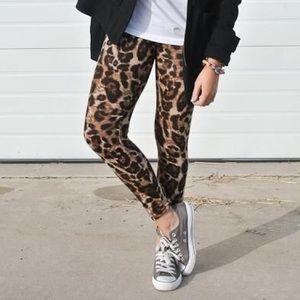 Pants - High waisted leopard print leggings
